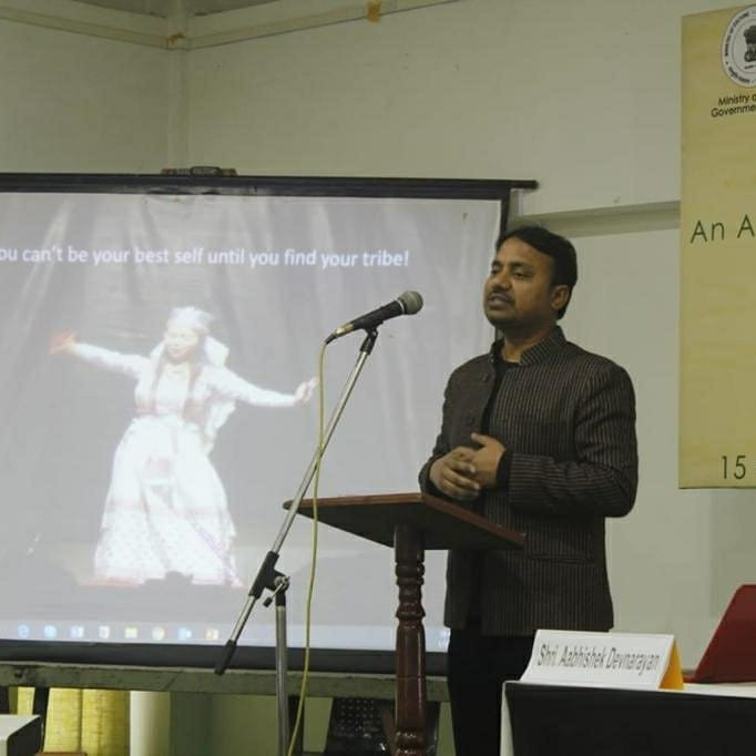"Presented in the seminar ""Tribal Performing Arts: Perspectives and Possibilities"". Notions of tribal cultural discourse, the positioning of performing arts, and possibilities,  focusing on forms of tribal theatre across the country. Sangeet Natak Akademi, NCHCI, Ukhrul, Manipur. pic.twitter.com/RrvRRXLLgf"