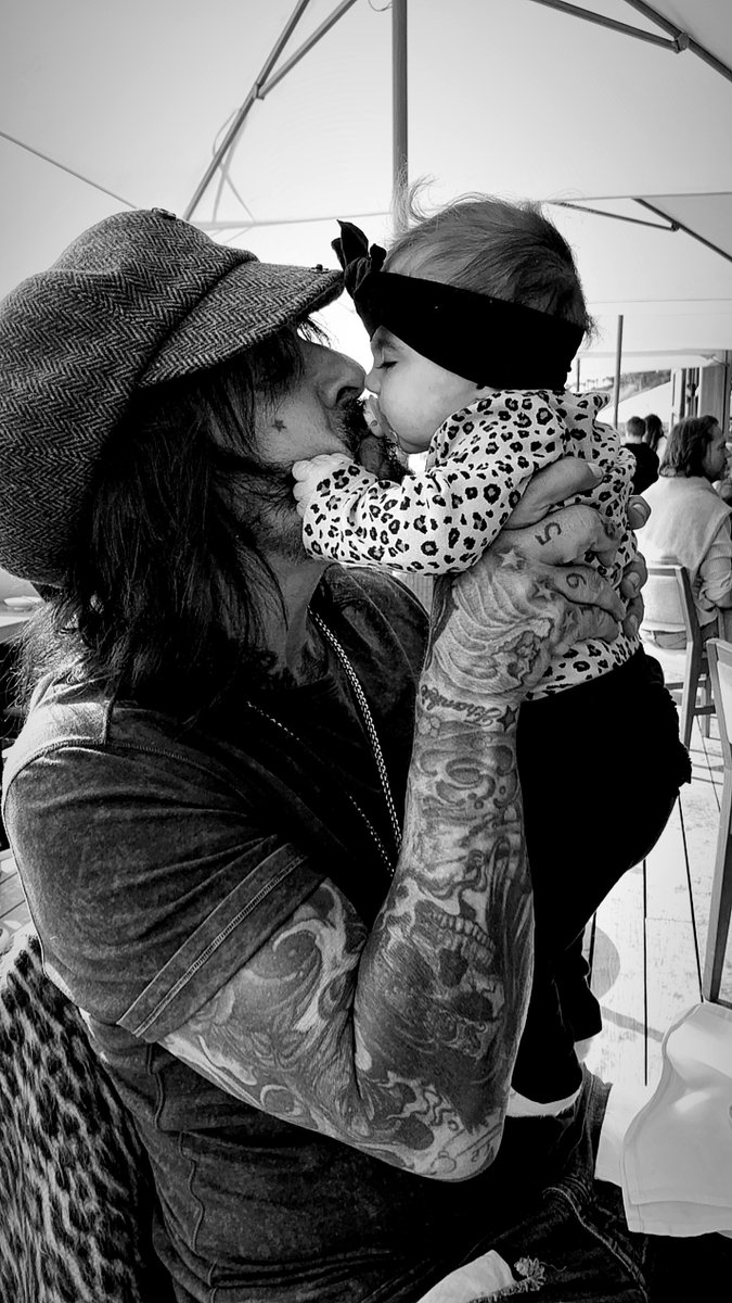 Motley Crue's Nikki Sixx tweets about fatherhood, new baby