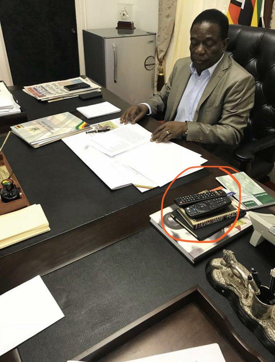 """Zviya zvekunzi nemunhu arikuseva nenyama """"idyai ma veggie cause nyama haina hutano """"? What do you guys take citizens for? Here is your boss with a DStv remote control in his office. I bet you will make another thread telling us that he uses it for the aircon. https://twitter.com/jamwanda2/status/1219504223181852673…pic.twitter.com/cXmSaj2mxA"""