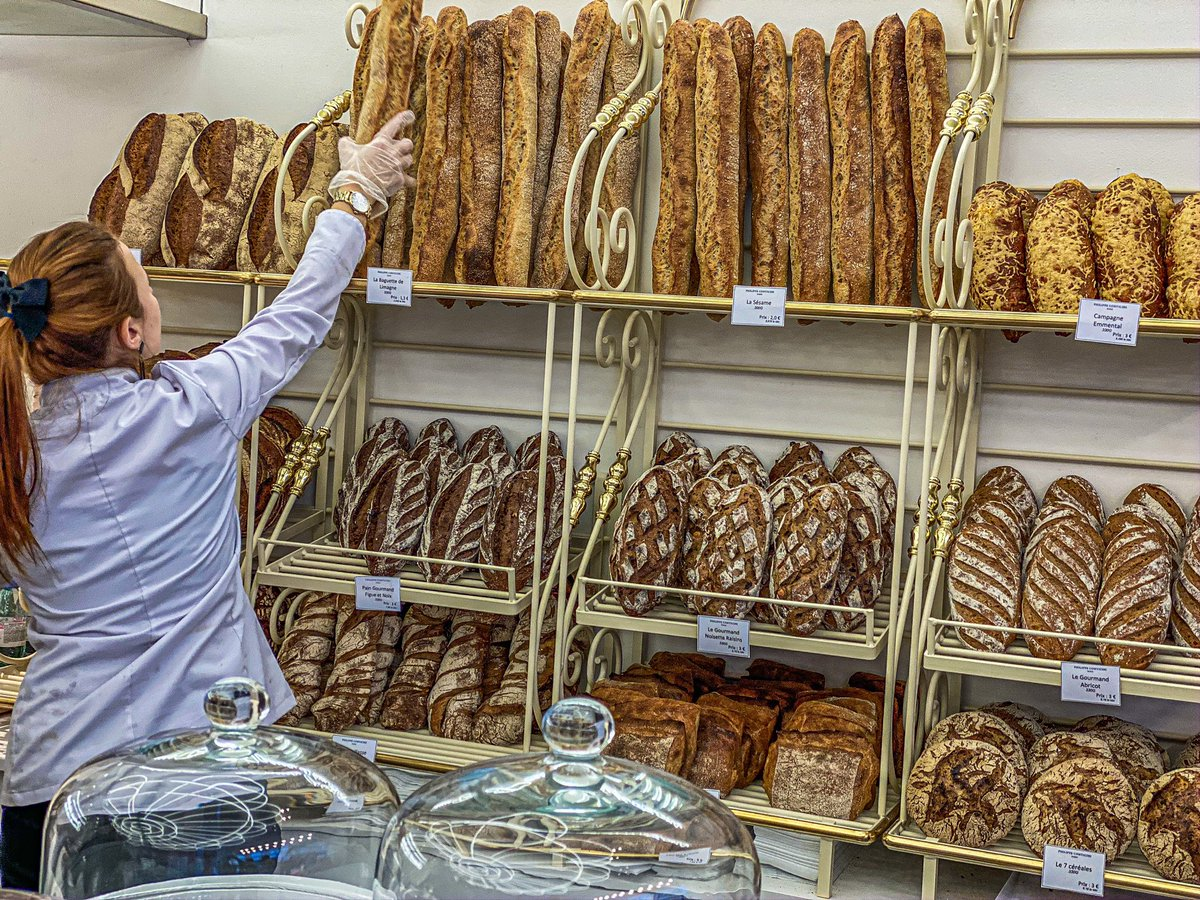 Philippe Conticini ouvre sa première Boulangerie ! Et les pains au chocolat sont à tomber https://bit.ly/30Gxusf  @Conticini_Team #patisserie #boulangerie #Paris #sortiraparis #conticini #foodpic.twitter.com/EiGv0DY1SA