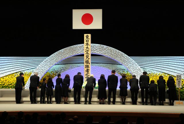 【意向】東日本大震災の追悼式、釜石市長「国がやらなくても我々は続ける」政府方針について、気仙沼市長は「震災10年でのひと区切りは理解したい」とした一方、「追悼式はほかの大規模被災地も続けるだろう。政府要人が各地の追悼式に参列してほしい」と語った。