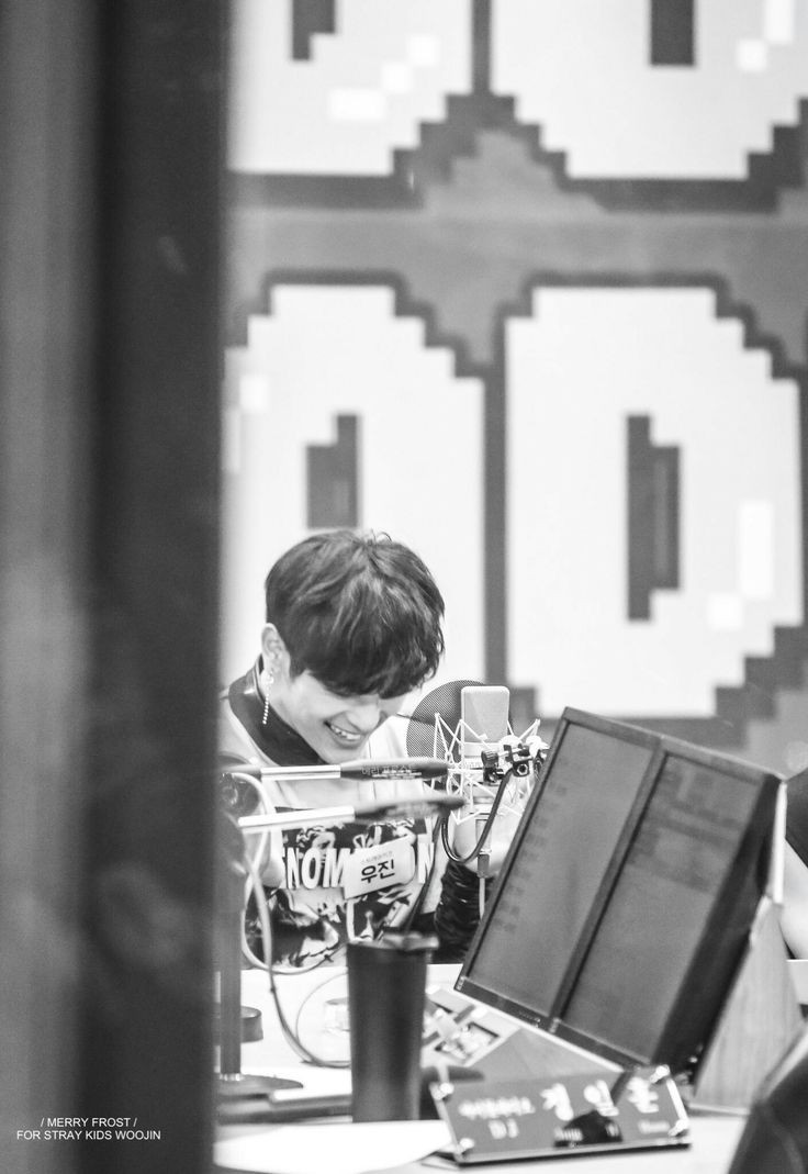 Goodmorning~ Woojin seems a bit shy after coming back to us  Contuine to give him love, but remember to keep some for yourself~ He loves you as much as I do, and he cares as much too! Remember to have 3 meals and drink water, you deserve it!  It's hard, but you'll get- <br>http://pic.twitter.com/QKmoBOwkZj
