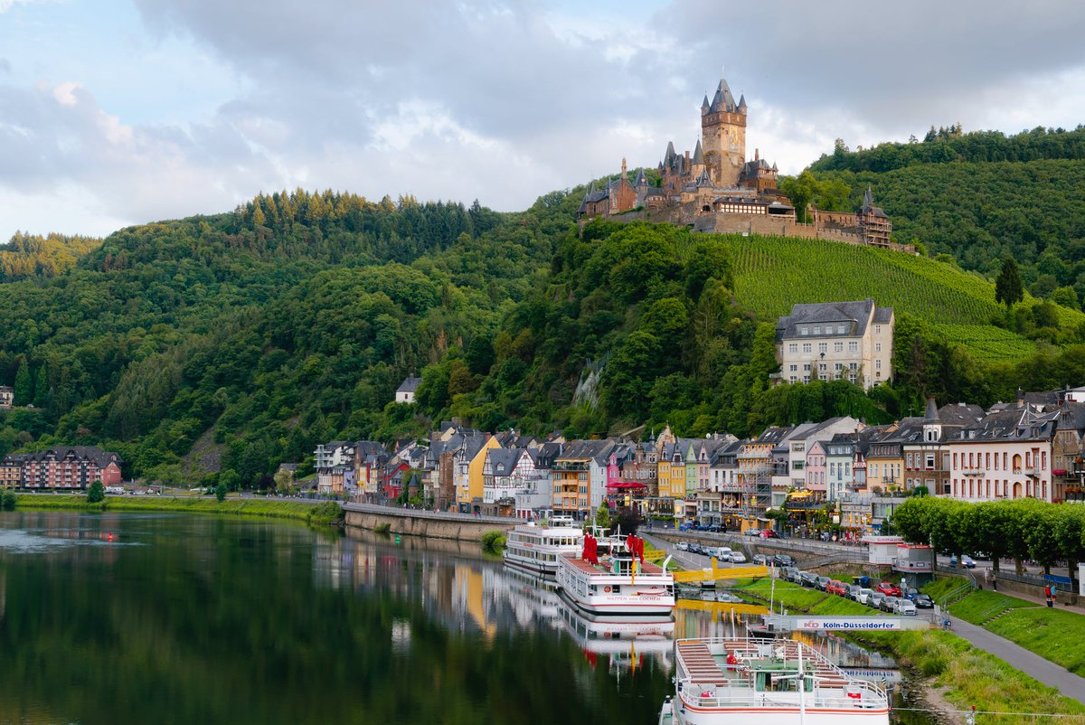 Discover some of the most stunning places in #Germany http://ow.ly/X9Za50xTB7N . . #ttot #traveltuesday #traveling #travelblog #germanblog #wanderlust #bucketlistpic.twitter.com/MEishJhBQf