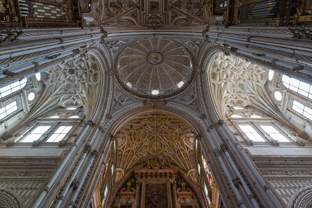 """""""The soul is dyed with the color of her thoughts."""" Photography Scott Hefti  Mezquita Córdoba #Spain<br>http://pic.twitter.com/ANDnKNGGII"""