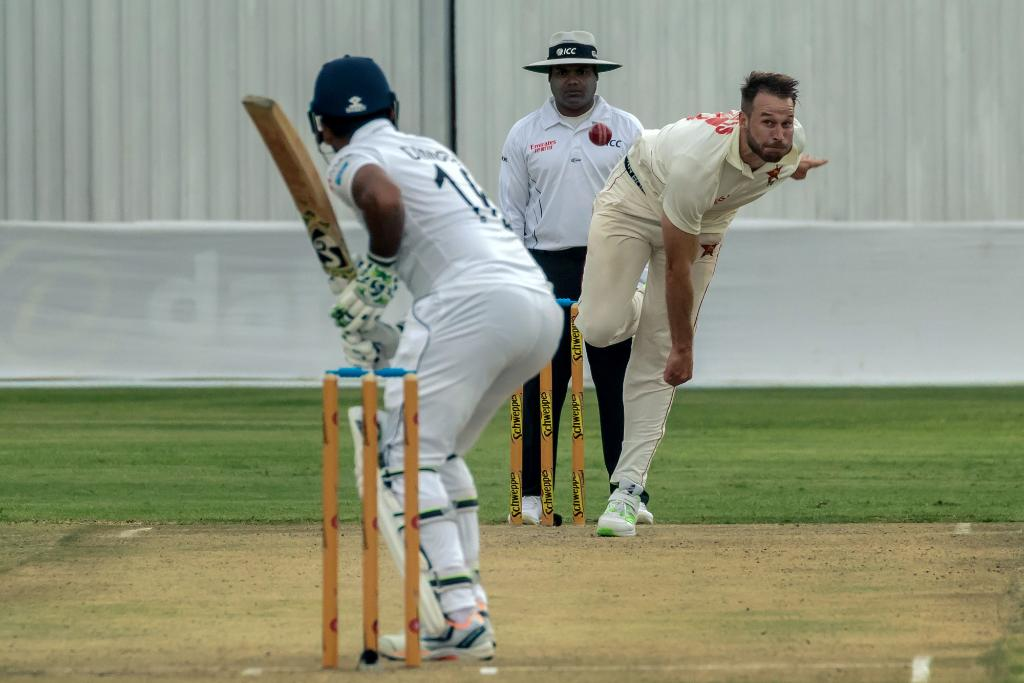 5️⃣0️⃣*The second-wicket stand between Kusal Mendis and Dimuth Karunaratne has touched the 50-run mark.#ZIMvSL SCORECARD ▶️http://bit.ly/Zim-SL1