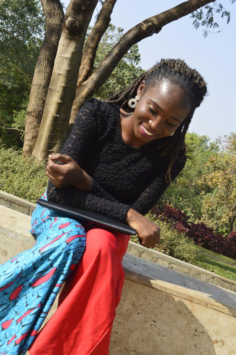 Guys, I created 4 looks from just 1 ankara fabric. Click the link to find out how. #fashionhack #fashiontips #ankarafashion http://tobifusika.com/2020/01/21/how-i-created-4-looks-from-1-fabric/…pic.twitter.com/CMdCSHA9DY