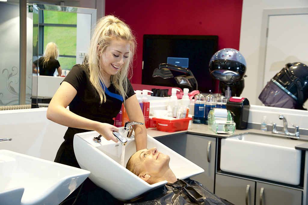 #OCOPENDAY THIS SATURDAY | Start your Hair & Beauty career in our state-of-the-art salon. Join us on Saturday (10am-1pm) to find out more + take the first steps towards your #2020Vision Enjoy FREE taster sessions, tours and refreshments. Register NOW: bit.ly/3adTYF9