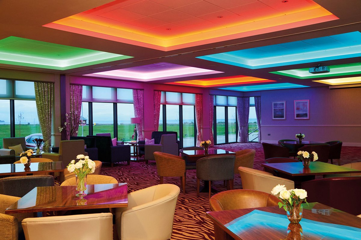 Imagine being able to offer your clients easily controlled and stunning smart lighting. This case study from @auroralighting at the Ramsey Park Hotel in the Isle of Man shows off how incredible Aurora products can really look. Get in touch with your account manager today!pic.twitter.com/NXl1JTBxvZ