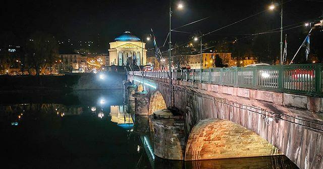 #photo #pic #instapic #turin #instaturin #2020 #2k20 #by #night #bridge #pontedellagranmadre #light #river #fiume #Po #cold #weather #like #likes #instalike #instalikes #like4like #likeforlike #like4follow #likeforfollow #follow4follow #followme #shotz_o… https://ift.tt/2RxOVqKpic.twitter.com/I8yoO0u13q