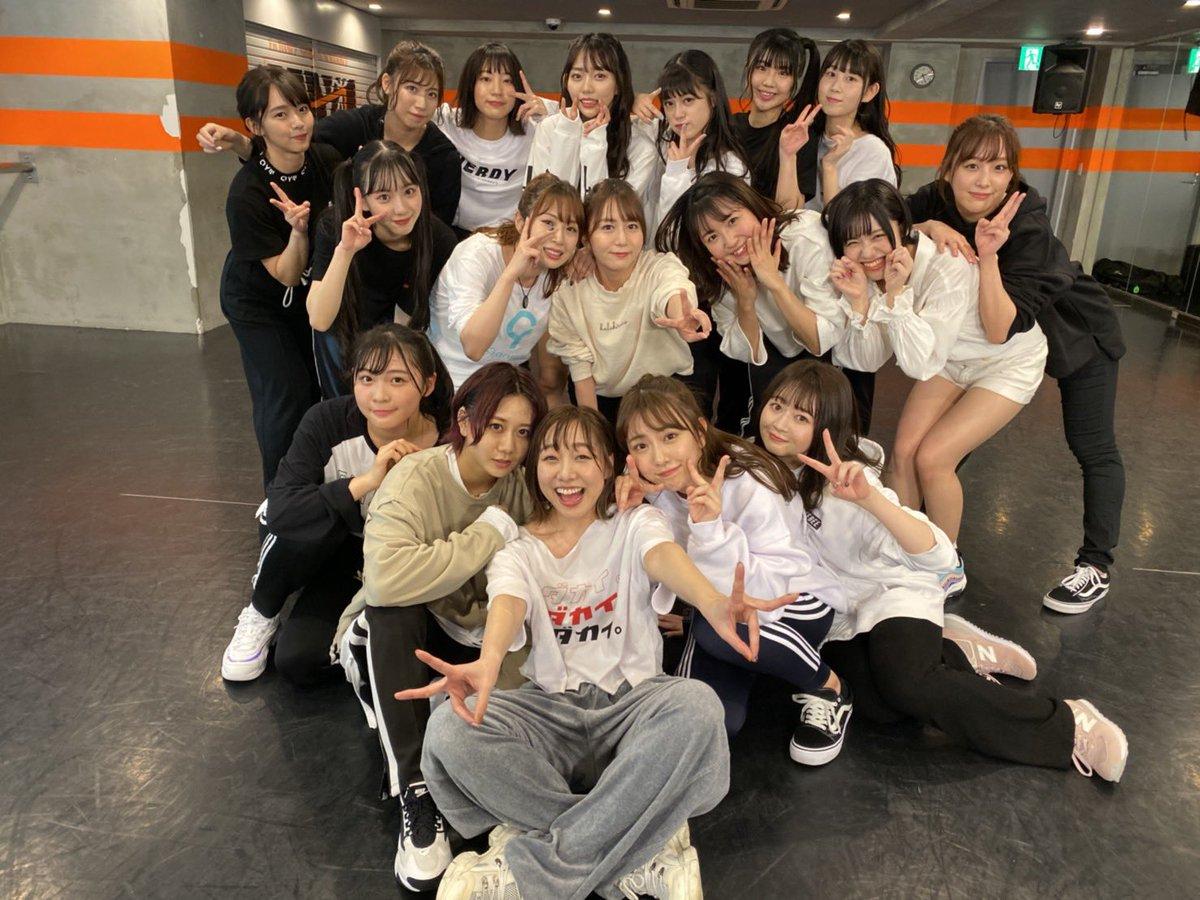 22作連続オリコン週間ランキング1位は女性グループ歴代3位の記録。 須田センターで記録が途絶えなかったことに素直にホッとしてる自分がいますが…何よりこれまでSKEを愛してくれた全ての人へ感謝。 そしてここから共に歩んでくださるあな… https://t.co/rp7uRuqkAs