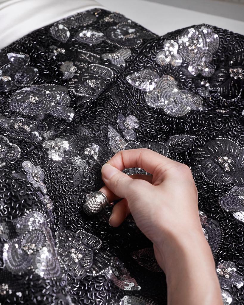 test ツイッターメディア - 映画『アス』で主演女優賞を受賞したルピタ・ニョンゴ ──第26回SAGアワード(全米映画俳優組合賞)にて。ニコラ・ジェスキエール@TWNGhesquiereが特別にデザインした、美しい刺繍を施したカスタムドレスに身を包んで。 #SAGAwards https://t.co/Qs3r0Pt8MF