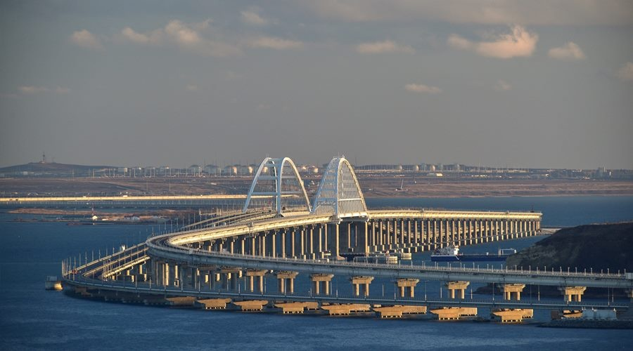 The first hundred of trains passed over the #Crimean Bridge starting from the opening of the railway communication between mainland and the peninsula <br>http://pic.twitter.com/CAZygEsepP