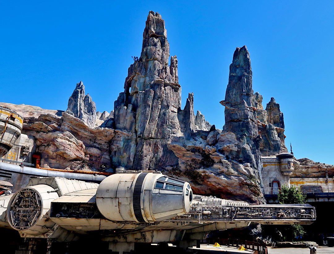 Good morning everyone and happy Tuesday! Hope you all have a great day. #Travel #GalaxysEdge #TuesdayThoughts