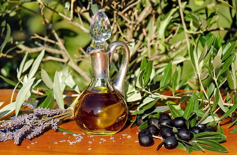 #Olio extravergine di oliva di altissima qualità dal sapore intenso e aromatico... cosi la #sagradellabruschetta prende vita a #Casaprota #Rieti  #amatriciana #Sabina #Rieti #sagra #tempolibero #foodporn