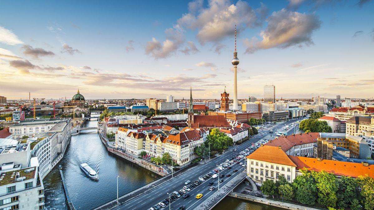 Fuse style and affordability in Berlin from £126pp - 2nts 4* funky hotel & flights SPRING DATES http://dlvr.it/RNSLFS pic.twitter.com/Rf1eW43Wqk #SME #WednesdayWisdom #ThursdayThoughts #FridayFeeling #SaturdayMorning #SundayMorning #MondayMotivation #TuesdayThoughts #SME #Monda…