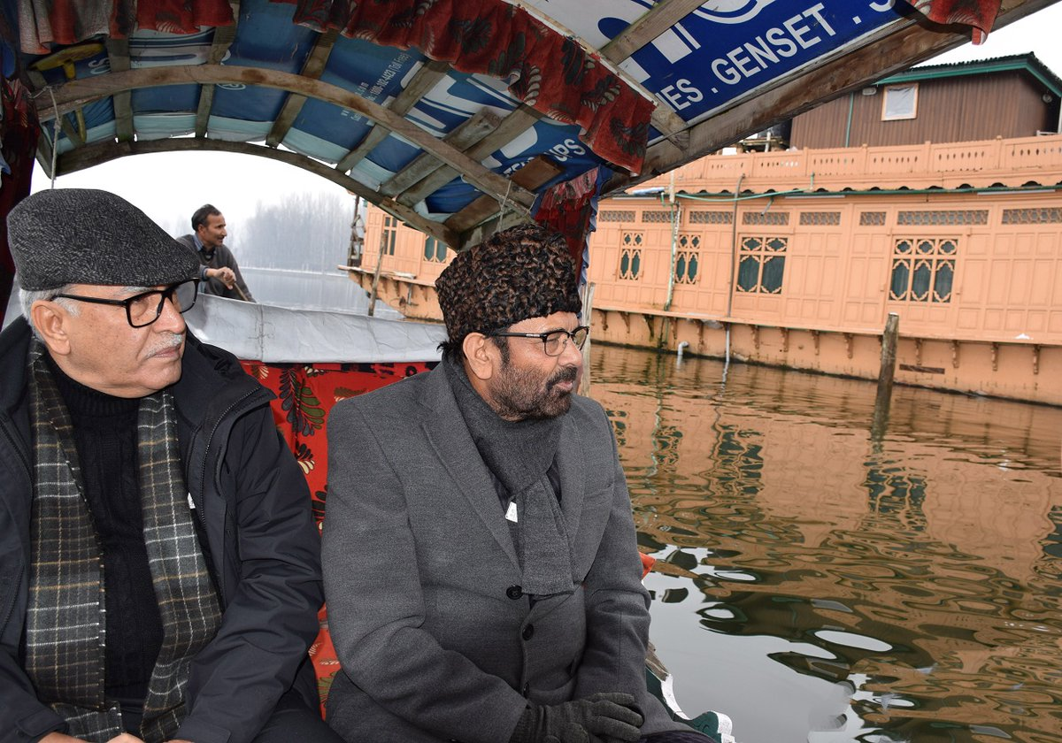 Union Minister for Minority Affairs, M A Naqvi said that the Central Government wants a new dawn of development & accountability in the functioning of government machinery in J&k, in a Public Outreach Programme & E-inauguration/foundation stone laying ceremony at Harwan, Srinagar