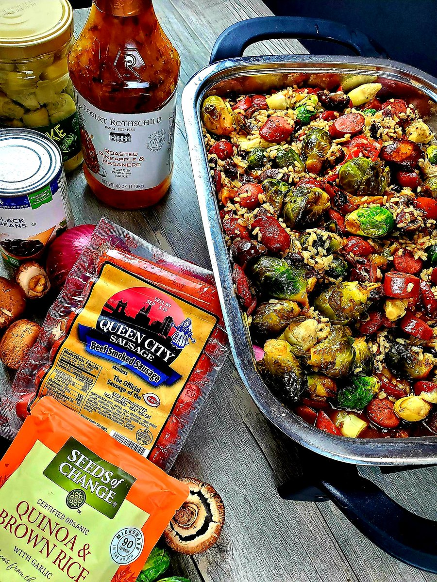One Skillet Sausage Paradise Medley....When we say paradise, we mean achieving the ultimate Sausage recipe! #oneskillet #healthylifestyle #QuickAndEasyFood #quickandhealthy #craftsausage  http://www. queencitysausage.com/portfolio-item /one-skillet-sausage-paradise-medley/  … <br>http://pic.twitter.com/ZgvMZ0AMSl