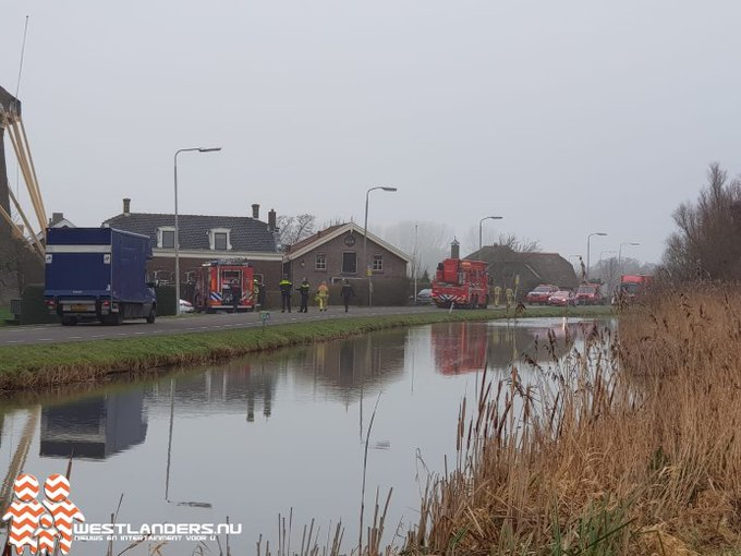Middelbrand in oude woning Molenweg https://t.co/BjnGAliZW1 https://t.co/YChGUkUNZE