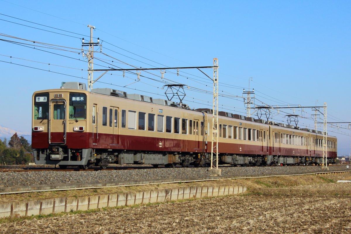 東武鉄道6050系4連 往年の6000系リバイバルカラー車同士の連結 鉄道ファン歓喜