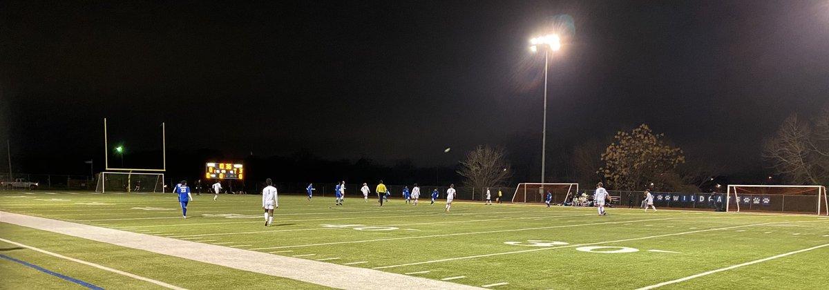 @Dunbar_HS hosts @BenbrookBobcats in District ⚽️. @BenbrookMHS leads 4-0