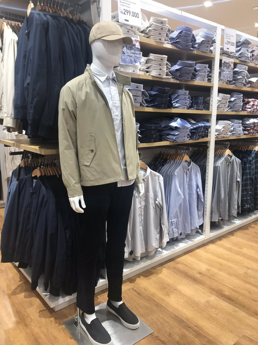 """Uniqlo: """"Hey, look at this awesome display!""""Me: """"Hey, a Joe Goldberg cosplay. Great job, Uniqlo! I think I should stay away before he catches feelings""""#You"""