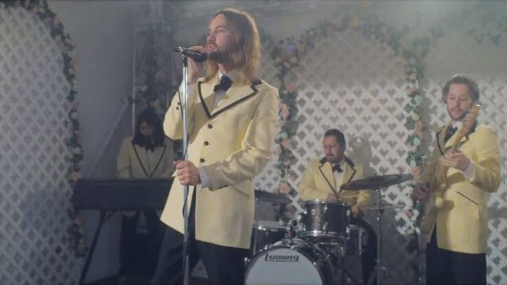 Think the continuous shot in #1917Film is good? Check out @TameImpala's music video for #LostInYesterday. Music vid of the year for me so far!  #TheSlowRush