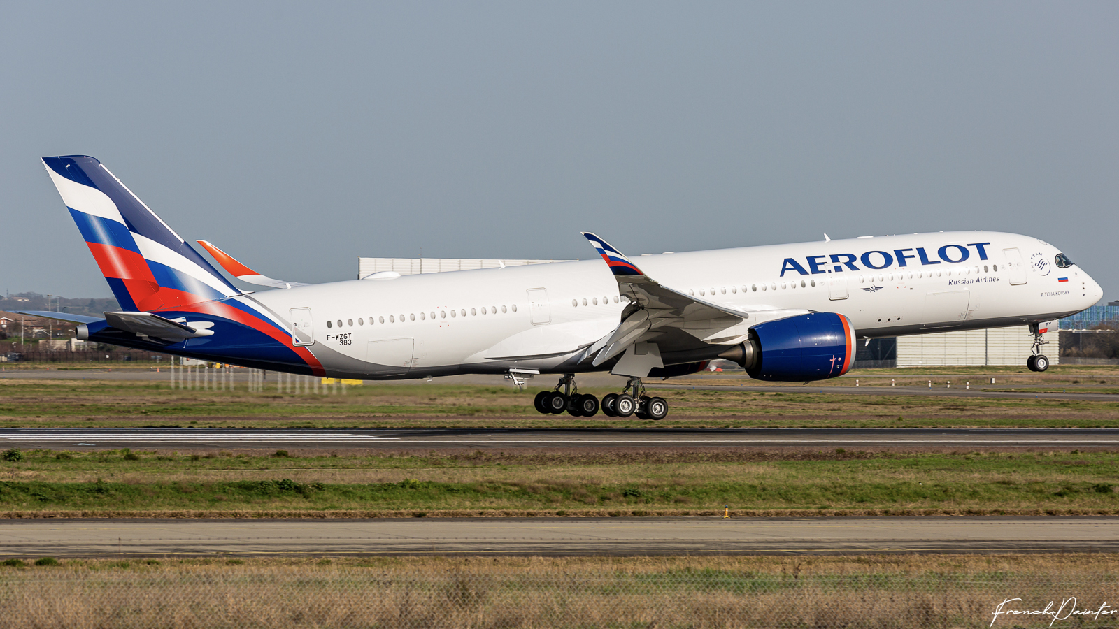 Aeroflot ! SU ! AFL - Page 3 EP28khYWAAALIkI?format=jpg&name=large