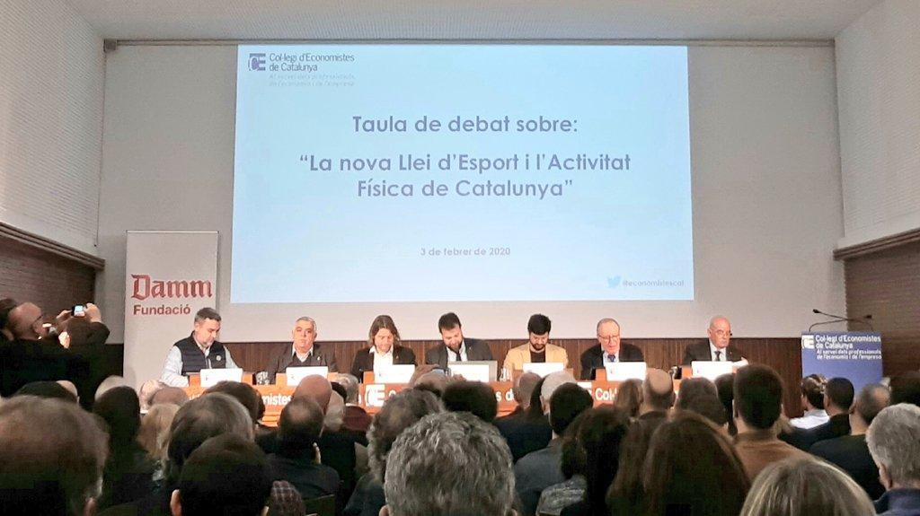 """Taula de debat sobre """"La nova llei d'Esport i l'Activitat Física de Catalunya""""#LleiEsport a @economistescatAmb @gfigueras, @gerardesteva @coplefc @david_escude @tonibrocal @jaumedomingo Modera: Josep Maria Gay.Per un #EsportPerTothom, de futur i amb millor finançament!"""