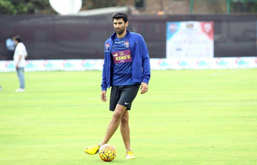 All Stars FC sends our best wishes to #AdityaRoyKapur for the release of his next movie #Malang that is all set to hit the big screens tomorrow. . . #AllStarsFC #PlayingForHumanity #ASFC #Football #TheBeautifulGame #LetsPlay #Celebrities  #Bollywood #Celebspic.twitter.com/o2lRkpeTNy