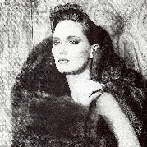 Day 1 of the 10-day Performance/Artist challenge.@kalibird  #1980s #1980sfashion #10daychallenge #maturemodel #model #classicmodel #fashionmodel #andfabulous #womenover50 #bestagermodel #photography #agepositive #modeling #ageisjustanumber #maturebeauty #lifestylemodel #fash…pic.twitter.com/ZpCSkNGzFG
