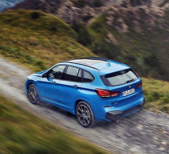 Disfrutando del lunes y de la energía responsable. Nuevo BMW X1 xDrive25e Híbrido Enchufable. #TheX1