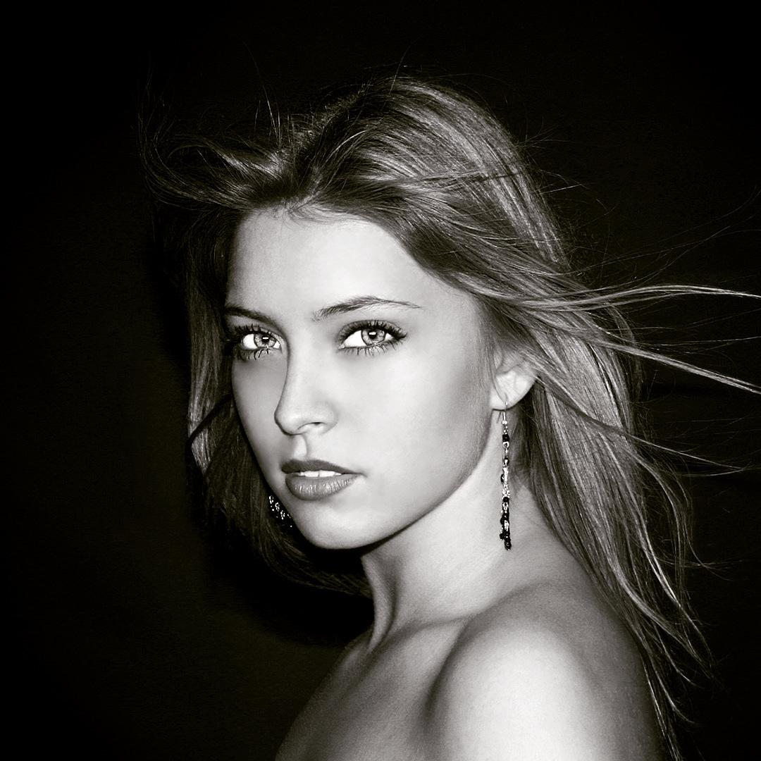 Angela #modelfotografie #fotostudio #portret #portretfotograaf #modelfotograaf #brasschaat #fotostudiobrasschaat #fotograafbrasschaat  #fotograafantwerpen #fashionfotograaf #modelscout #modelphotography #modelphotographerpic.twitter.com/rqfocMpOFH