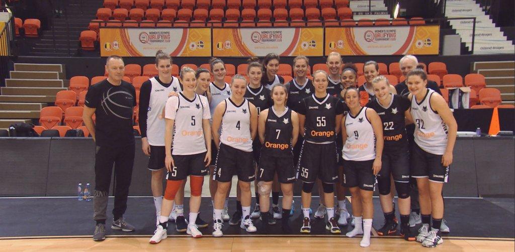 One team. @TheBelgianCats zijn klaar voor olympisch kwalificatietornooi. @MestdaghPhilip, @EmmaMeesseman en @AnnWauters12 blikken vooruit @vrtnws en @sporza. 🏀🐱🇧🇪 #FIBAOQT #TeamBelgium #Tokyo2020 #BasketballBelgium https://t.co/fsBb9XEvBp