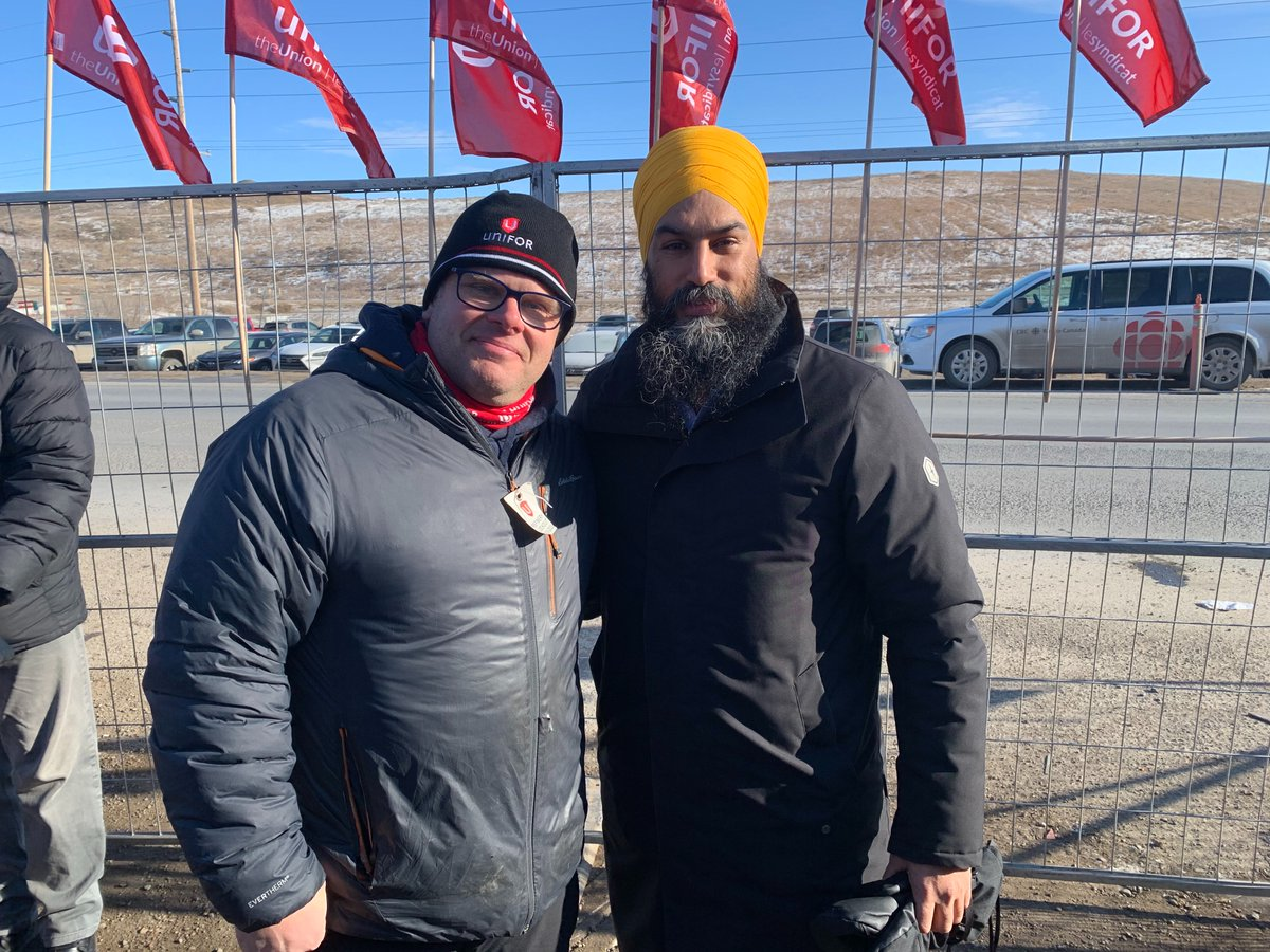 .@theJagmeetSingh offers support to @Unifor594 members locked out by @CoopFCL for 60 days. Solidarity