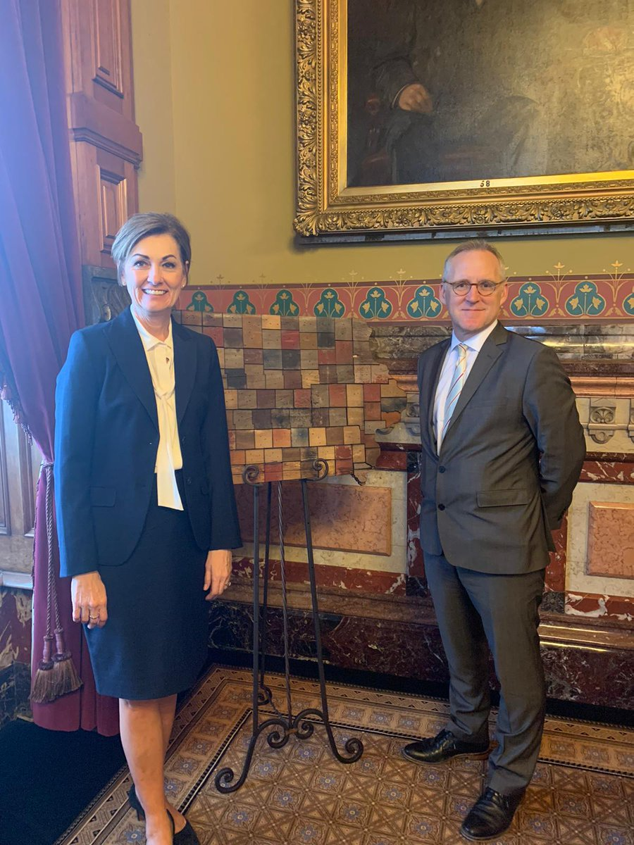 Good meeting in Des Moines with Governor Kim Reynolds to discuss the huge opportunities for 🇬🇧 trade with the 🇺🇸, and Iowa in particular https://t.co/2vgWimS7d3