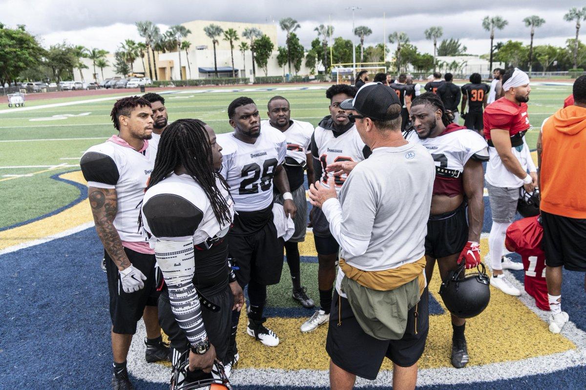 Corey Brown Jr knows it takes team work .  #nflfreeagent #sportsnews #instasport #nflnews #TSLShowcase #TSLinXFL #footballplayerpic.twitter.com/MUobgXSSSY
