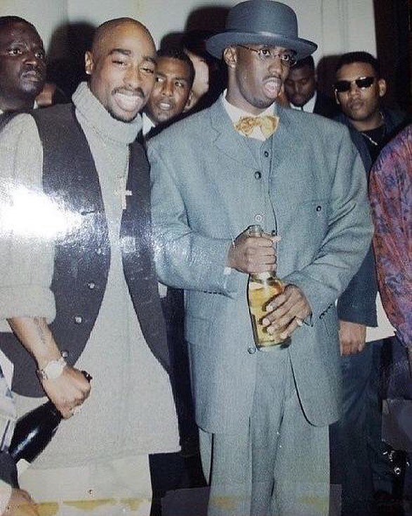 2Pac and Diddy, November 4 1994. This was at Diddy's birthday party in New York City at the Roseland Ballroom. 26 days later 2Pac was shot 5 times at Quad Studios in NY. This was one of the last peaceful moments shared between the two. https://t.co/eKUYFgNrdN