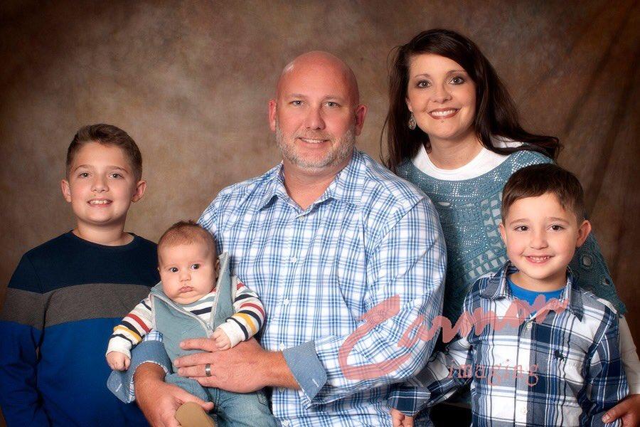 #familyphotos #familysessions #familyphotographer #kyphotographer #carmonimaging #ilovemyjobpic.twitter.com/0kTesEnNNt