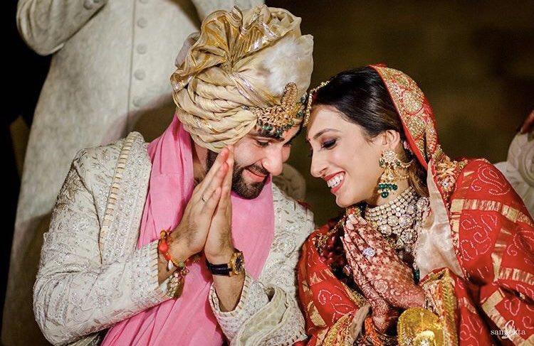 Wishing the newly wed couple a very happy Married life #armaanjain #anissamalhotra #married #weddingdress #wedding #newlyweds#jodi #celebration #movietalkies pic.twitter.com/A9tGdMQasc - Team #FirstBuzz #RealFirstBuzz