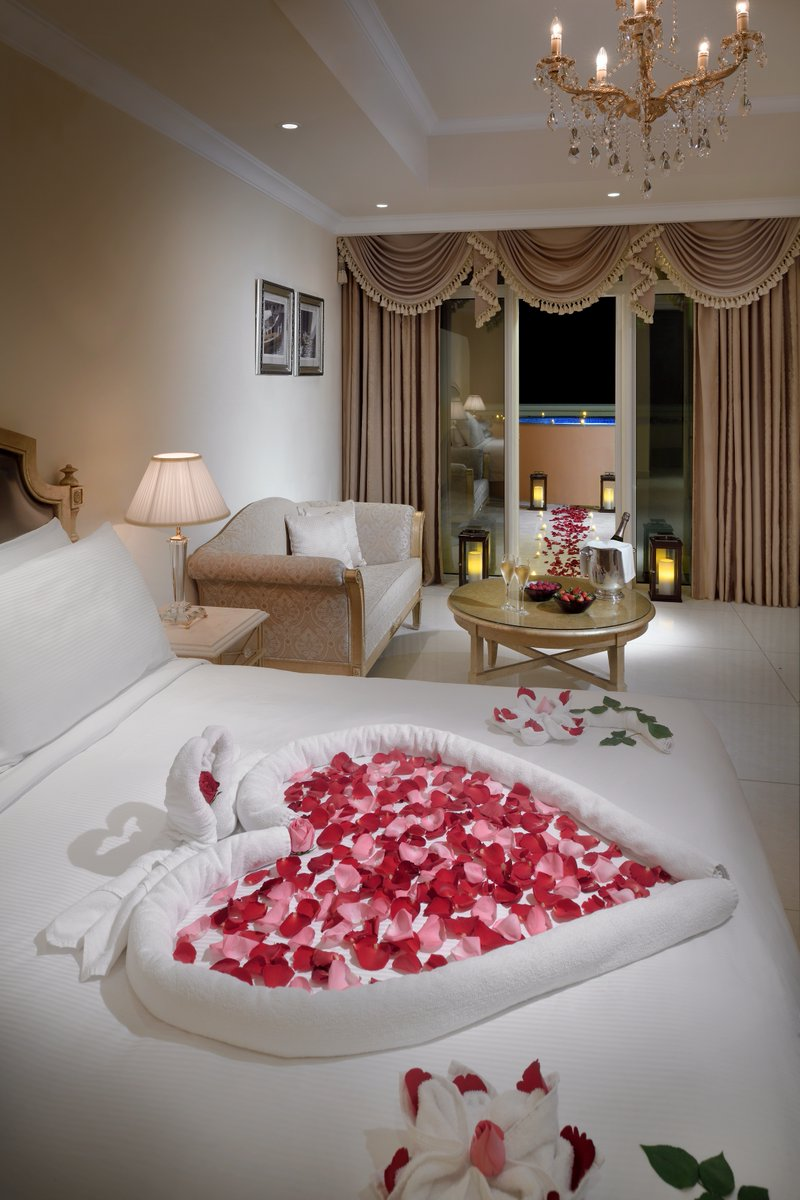 Indulge this Valentine in a luxury overnight stay, romantic beachside dinner and breakfast in bed at Kempinski Palm. https://t.co/PIOKtrWPv2 https://t.co/T4VXArPahO