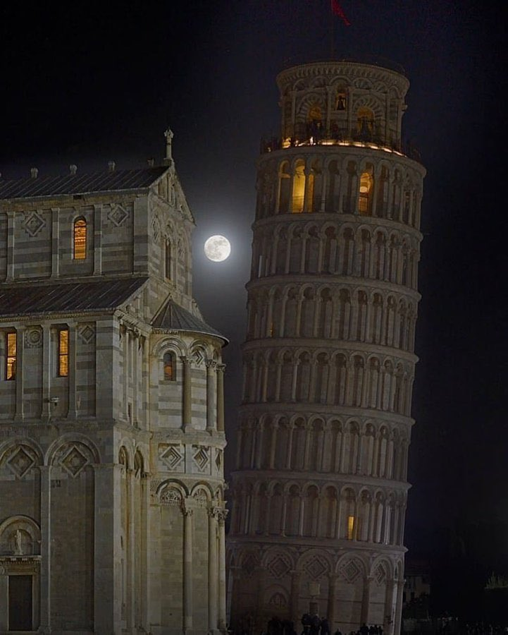 Can I take a picture of the moon? Pisa Tower: yea sorry