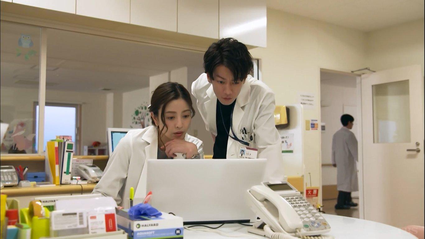 This Is Zi Trying On Twitter Meski Berlatarkan Di Rumah Sakit Koi Wa Tsuzuku Yo Dokomademo Bisa Dibilang Bukan Drama Medis Ini Serial Romansa Dengan Dagangan Utama Berupa Sato Takeru Akting