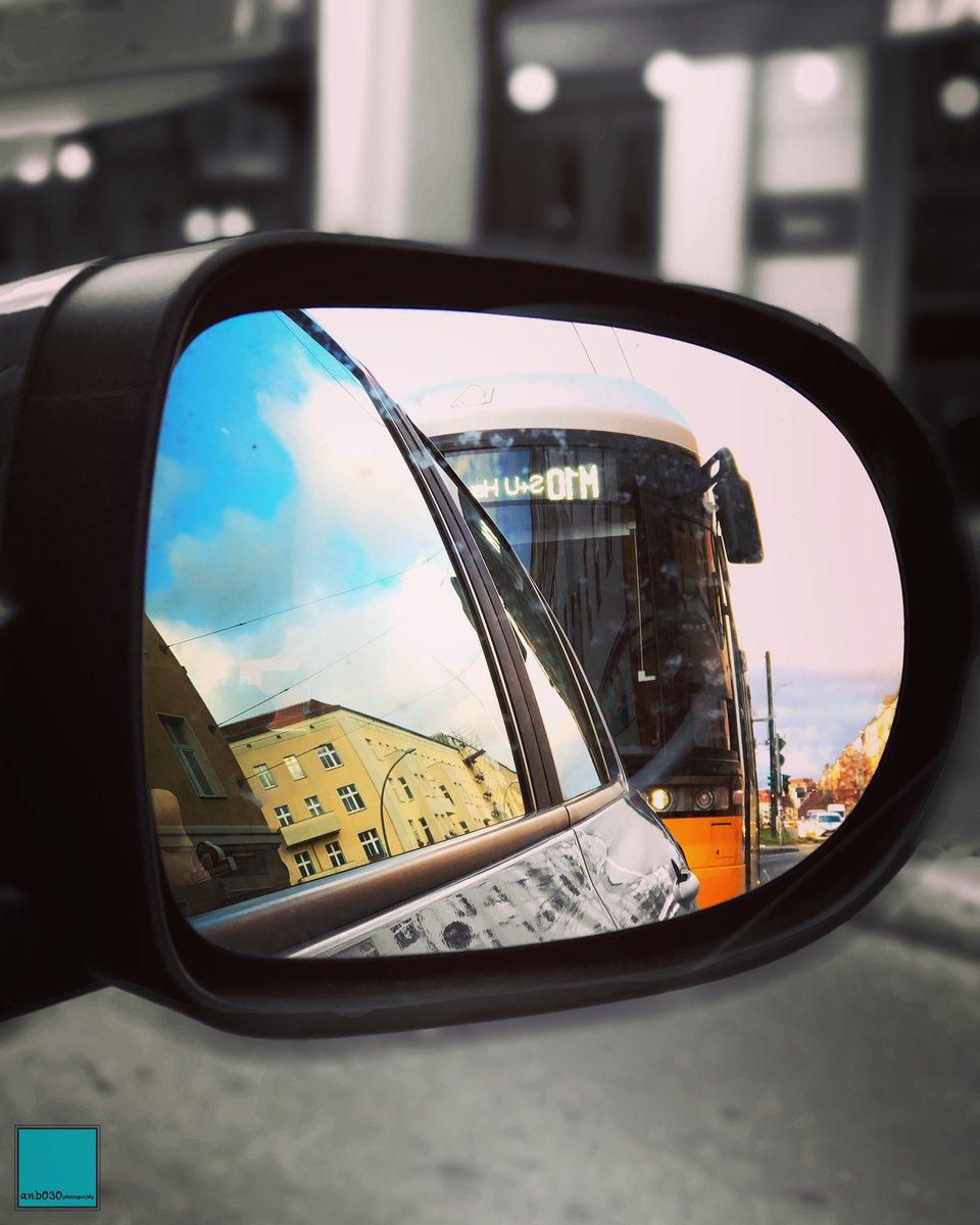 Komm kleines und folge mir. ☻ • #weilwirdichlieben @BVG_Tram #tram #strassenbahn #Travel #berlinpage #diestadtberlin #wonderlustberlin #topberlinphoto #visitberlin #urbanandstreet #urbanromantix #shotoniphone #CityLife #StreetPhotography #travelphotography #bokeh #CityScapepic.twitter.com/vR3RujsgTs