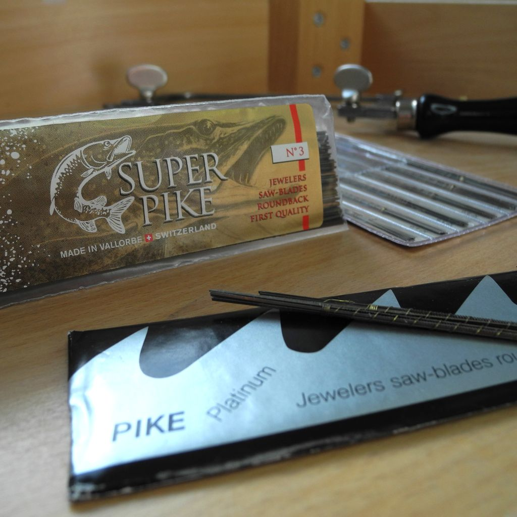 Super Pike Saw Blades were developed in 2015 at their factory in Vallorbe, Switzerland. Micro-filed teeth and a rounded back make these superb for really intricate piercing. We stock the premium range for silver and gold Platinum range for harder metals. https://buff.ly/2uZaMjopic.twitter.com/wiGtqc4KSv