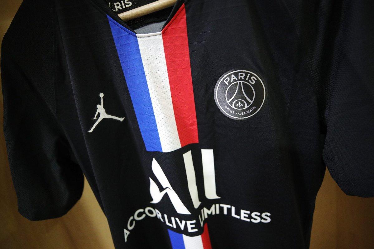 Paris Saint Germain On Twitter Wearing Our Fourth Kit For Tonight S Match Fcnpsg