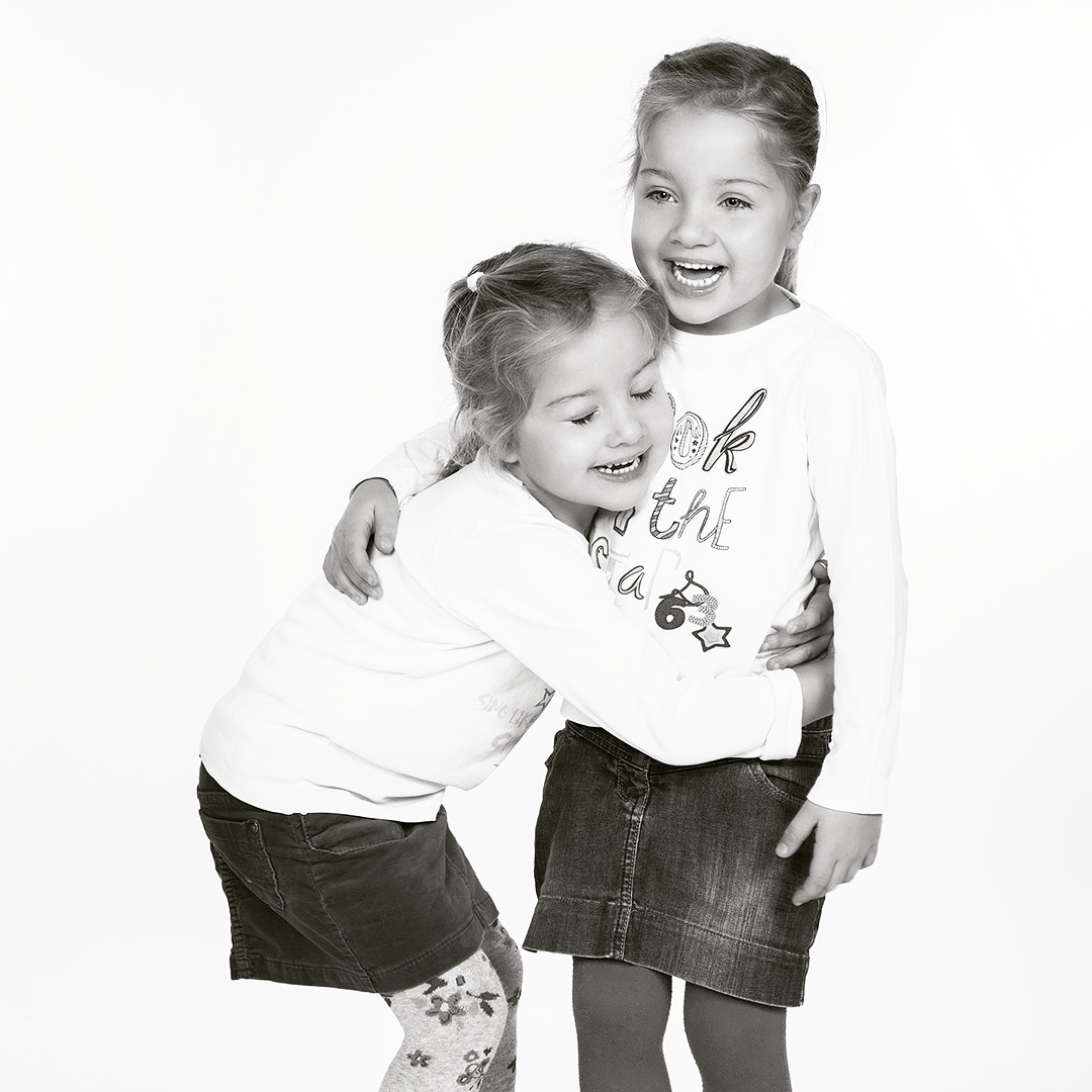 Twins #modelfotografie #modelfotograaf #kinderfotografie #kindermodel #kidsmodel #kidsfoto #brasschaat #fotostudiobrasschaat #fotograafbrasschaat #antwerpen #fotostudio #communiefotograaf #communiefotografie #communiefoto #communiefotos #communiefotoshoot #tweeling #twinspic.twitter.com/afveSjrtwg