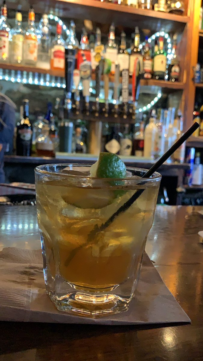Tuaca and lime juice on the rocks in the first place I ever had Tuaca. #laurabar24 #tuaca #danielpackerinn #mysticct https://t.co/nAk3xnOATz