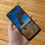 Image for the Tweet beginning: Motorola begins Android 10 rollout