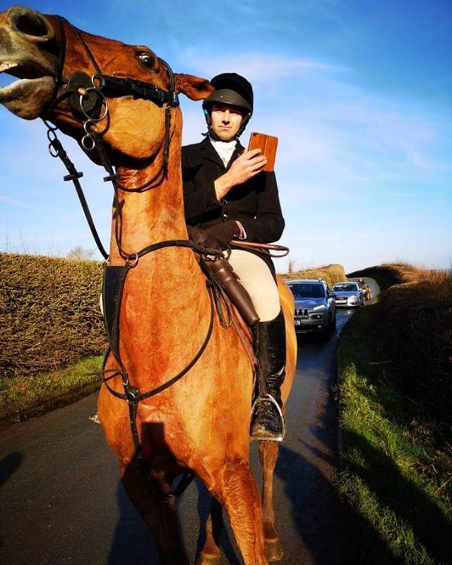 Poor Horse #animalrights #huntsaboteurs #huntsabs #horses #ahab ift.tt/2RLxx1H