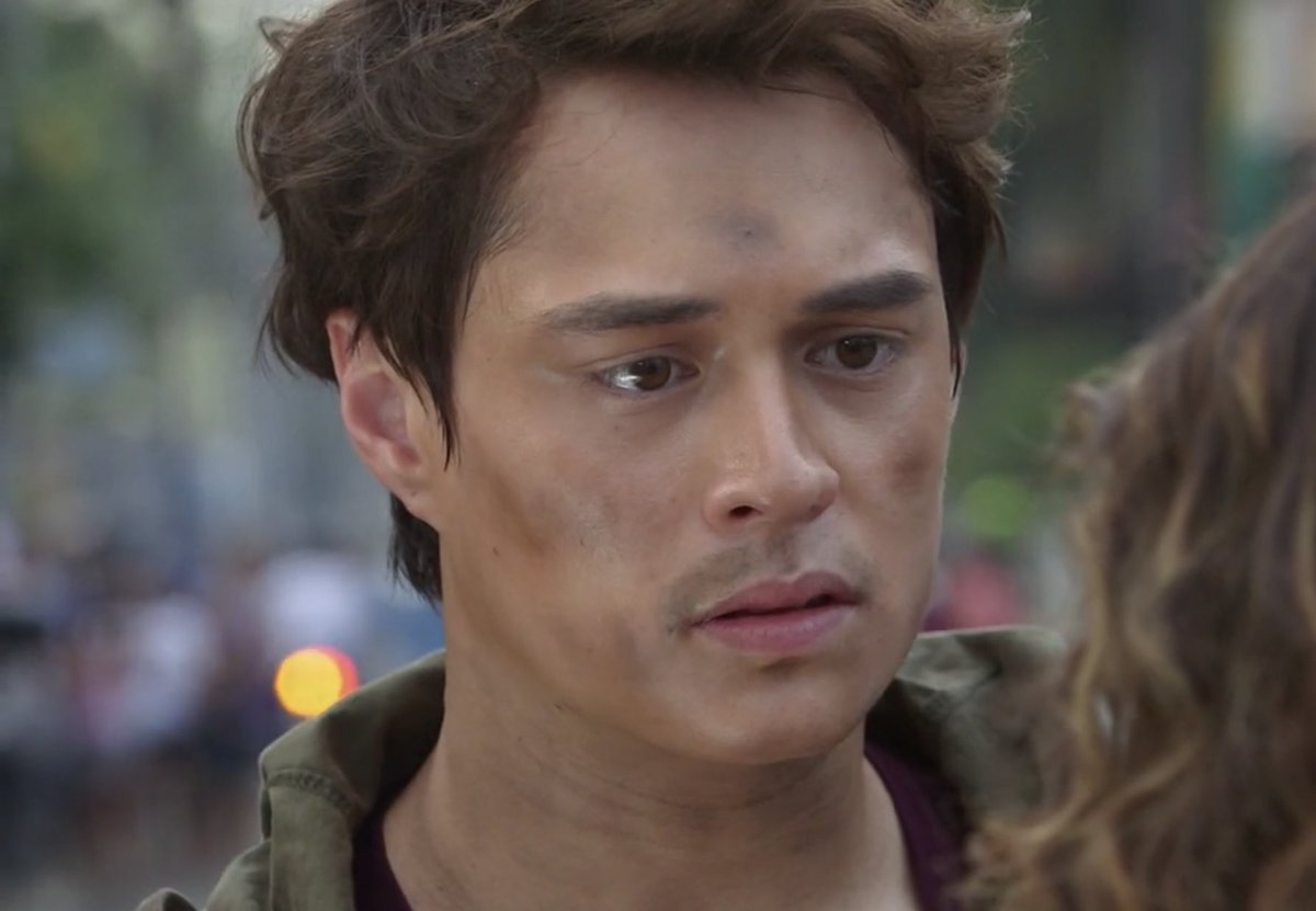 No hysterics. Their eyes say it all.  Enrique Gil | Liza Soberano Gabo | Billy  #MakeItWithYouBigReveal<br>http://pic.twitter.com/xbiDdxTZJB
